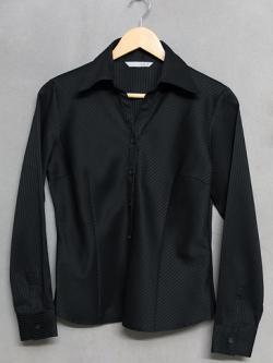 เสื้อเชิ้ตแขนยาวสีดำ KG
