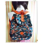 กระเป๋าสะพายหลัง กระเป๋าสะพาย แบบวัยรุ่น กันน้ำได้ กระเป๋าเป้ ขนาดกลาง ใส่ของ กระจุกกระจิก สีเขียวลายดอกไม้ สินค้าลดราคา KP304