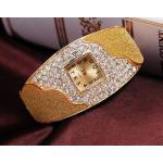 นาฬิกาข้อมือ นาฬิกาผู้หญิง แบบ กำไลข้อมือ ทอง 18 K ทอง ดีไซน์ พ่นทราย ตกแต่งเพชร ล้อมกรอบนาฬิกา นาฬิกาข้อมือใส่ออกงาน สุดหรู 372321