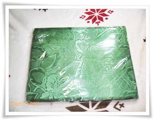 ผ้าแพร 6 ฟุต สีเขียวแก่ลายดอกกุหลาบใหญ่ P106
