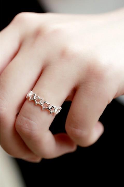 แหวนแฟชั่นรูปดาวสีเงิน