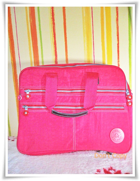 กระเป๋าถือ กระเป๋า สะพาย Laptop kipling สีชมพูสด