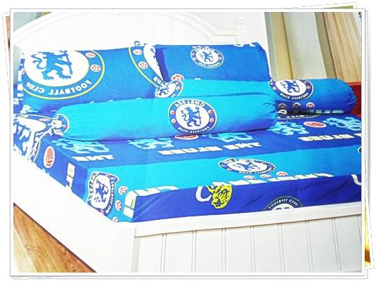 ชุดผ้าปูที่นอนครบชุด ขนาด 3.5 ฟุต 3 ชิ้น ลายทีมฟุตบอล chelsea สีฟ้าสลับน้ำเงิน no ch003
