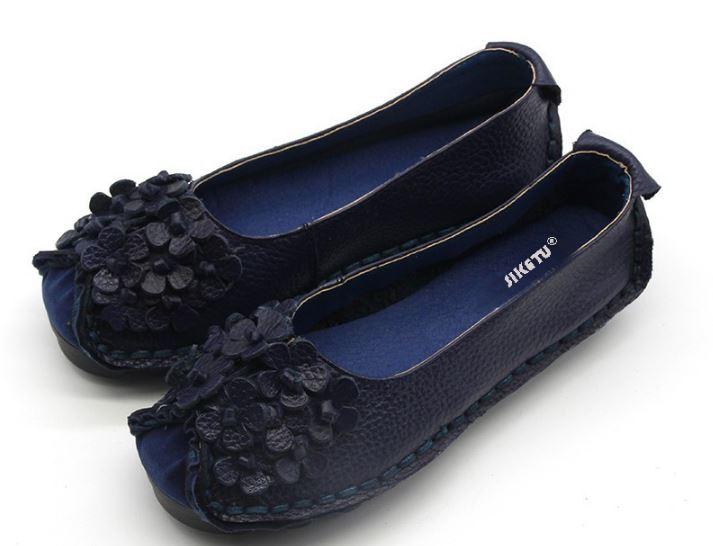 รองเท้าหุ้มส้น ผู้หญิง รองเท้าหนังแท้ รองเท้าผ้าใบหนังแท้ สีน้ำเงิน ดีไซน์ ลายดอกไม้ เก๋ ๆ ด้านหน้า รองเท้าหนังนิ่ม ใส่สบาย 727672_1