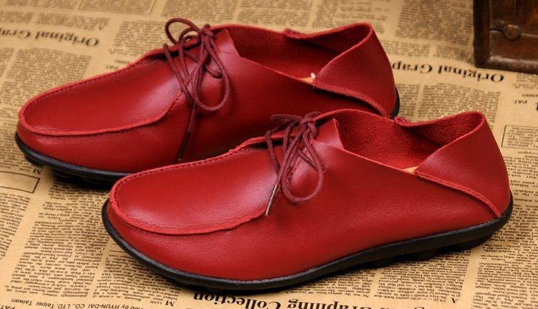 รองเท้าหุ้มส้น ผู้หญิง รองเท้าหนังแท้ รองเท้าคัทชู หุ้มส้น พื้นแบน ใส่สบาย ดีไซน์เก๋ เท่ ๆ สไตล์ ทอม มีเชือกผูกด้านหน้า สีแดง no 450830_1