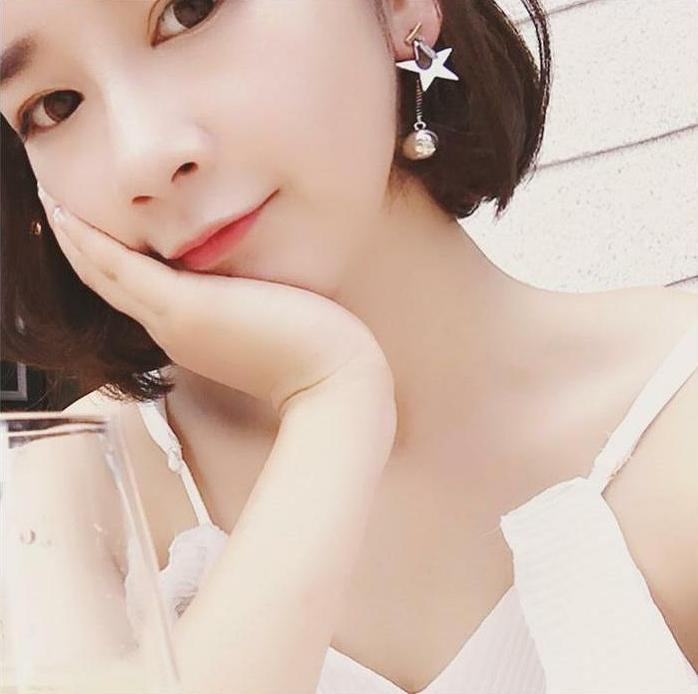 ต่างหู,ตุ้มหูแฟชั่นสไตล์เกาหลีสีเงินแต่งดาวและลูกแก้ว
