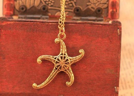 สร้อยคอพร้อมจี้ ปลาดาว สีทอง วินเทจ สวยสุด ๆ no 17834