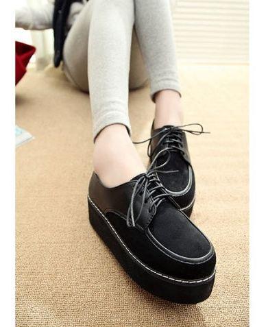 รองเท้าหุ้มส้น ผู้หญิง สีดำ ล้วน ดูแลง่าย ดีไซน์ เพิ่มความสูงส้นเล็กน้อย รองเท้าผู้หญิง ใส่สบาย แบบเท่ มีเชือกผูกด้านหน้า ใส่เที่ยว ได้สบาย 729898_1