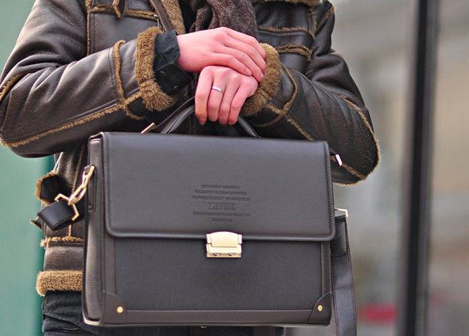 กระเป๋าสะพายข้าง ผู้ชาย สไตล์ กระเป๋าใส่เอกสาร ทรงสี่เหลี่ยม แบบภูมิฐาน สินค้าราคาพิเศษ 40429