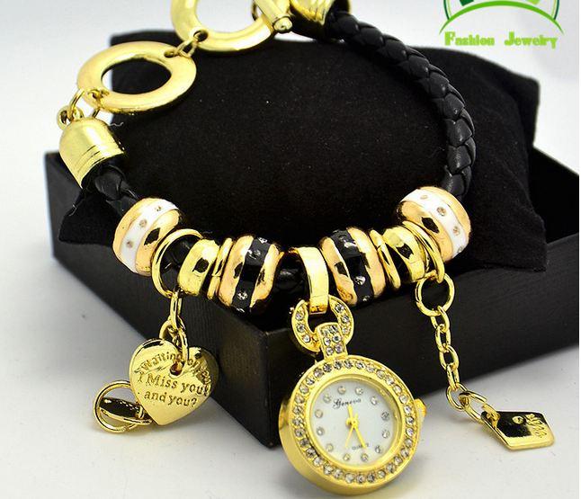 นาฬิกาข้อมือ ผู้หญิง สร้อยข้อมือนาฬิกา สายหนังแท้ ห้อยตุ้งติ้ง หัวใจ แกะลาย I Miss You ของขวัญแทนใจ ให้แฟน สีแดง ดำ ขาว หลายสี ค่ะ 858766