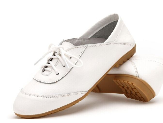 รองเท้าหุ้มส้น ผู้หญิง รองเท้าหนังแท้ ใส่ทำงาน ใส่เที่ยว ก็เท่ได้ ดีไซน์ เชือกผูกด้านหน้า พื้นยาง อย่างดี สินค้าลดราคาพิเศษ สีขาว 302114_4