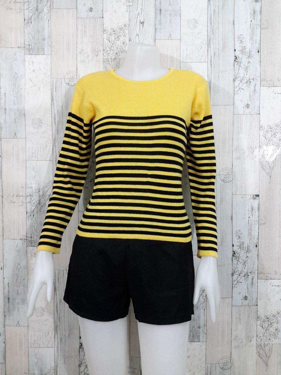 Blouse3532 2nd hand clothes เสื้อไหมพรมร่อง(เนื้อหนาปานกลาง) แขนยาว คอกลม ลายริ้วโทนสีเหลืองดำ
