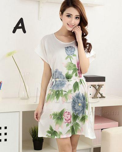 ชุดนอนผู้หญิง แบบชุดคลุม ยาวเหนือเข่า ชุดนอน ผ้าไหม ซาติน นุ่มลื่น ใส่สบาย กันไรฝุ่น ลายดอกไม้ เสื้อสีครีม 53522