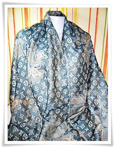ผ้าพันคอ ผ้าไหม ระดับไฮโซ หลุยส์ วิคตอง