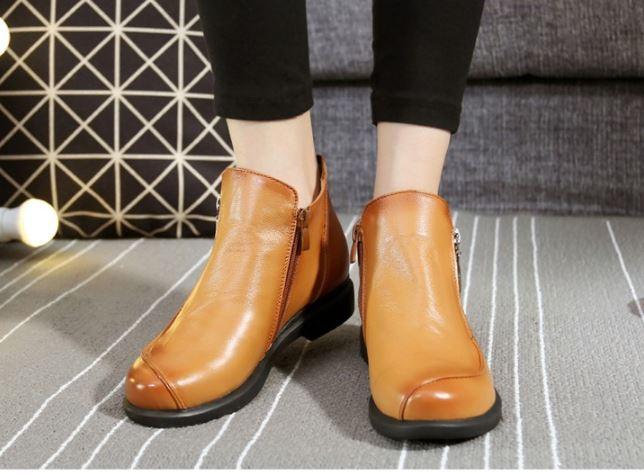 รองเท้าบูทผู้หญิง แบบข้อไม่สูงมาก รองเท้าบูทหนังแท้ แบบสวย ส้นเตี้ย หุ้มข้อ มีซิปข้าง เท่ ๆ 999652