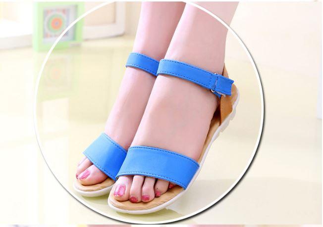 รองเท้าส้นแบน รองเท้าแฟชั่น ผู้หญิง รองเท้าแตะ ส้นเตี้ย แบบมีสายรัดส้น สีฟ้า ใส ๆ ใส่เที่ยว รองเท้าแบบเปิดหน้าเท้า สวย ๆ 780853_1