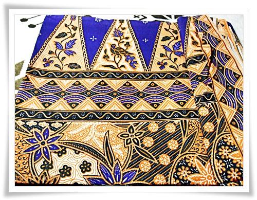 ผ้าถุงสำเร็จรูป ลายไทย สีน้ำเงิน P003