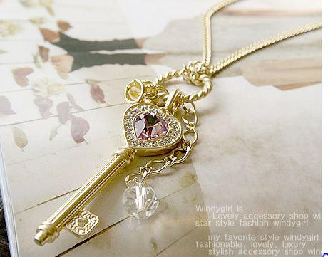 สร้อยคอ รูปกุญแจ Key สีทอง ประดับคริสตัล