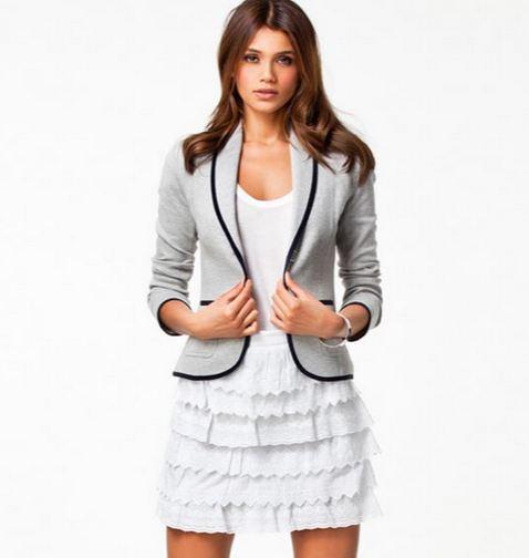 เสื้อสูท เสื้อแจ็คเก็ต เสื้อคลุมผู้หญิง ใส่ใน ออฟฟิต ดีไซน์ แบบสูท ผ้า Cotton สีเทา เส้นตัดขอบสีดำ เพิ่มมิติให้เสื้อ เสื้อใส่กันหนาว ในที่ทำงาน 363010