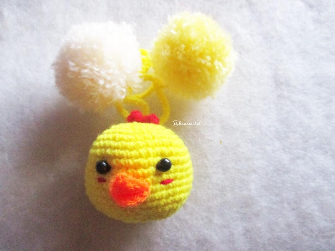 ที่ห้อยกระเป๋า พวงกุญแจตุ๊กตาเป็ดเหลือง dolls pom pom amigurumi crochet keychain