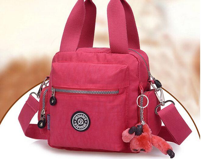 กระเป๋าถือ กระเป๋าสะพาย ผู้หญิง กระเป๋าวัยรุ่น ผ้าไนลอน กันน้ำ สีสันสดใส กระเป๋า ทรงลูกเต๋า ใส่ของได้เยอะ มีช่องแยกหลายช่อง แบบสวย ราคาถูก 817573