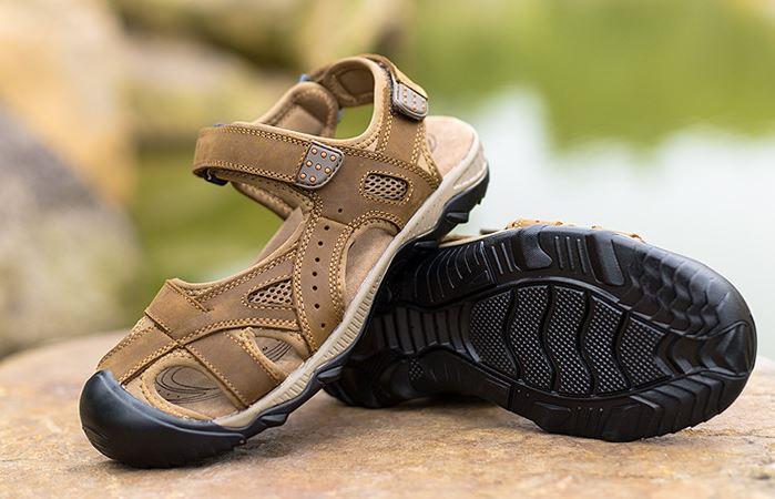 รองเท้าผู้ชาย รองเท้า แบบรัดส้น รองเท้า ใส่เที่ยว รองเท้าเดินทาง แบบเปิดหน้าเท้า ใส่สบาย มีสายรัดส้น รองเท้าหนังแท้ แบบเท่ ๆ สีน้ำตาลอ่อน 977144_2