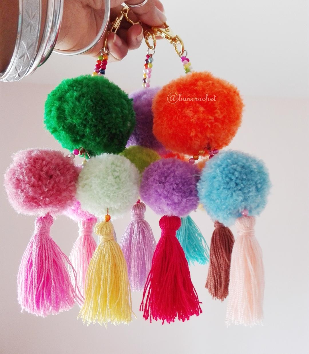 ปอมปอมไหมพรมห้อยกระเป๋า/พวงกุญแจ pompom crochet