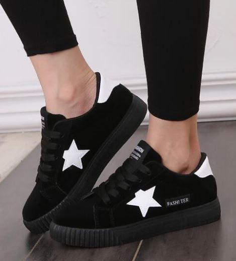 รองเท้าผ้าใบ ผู้หญิง รองเท้า วัยรุ่น รองเท้าหุ้มส้น สีดำ ใส่เที่ยว ใส่ออกกำลังกาย แนว สปอร์ต ลาย ดาว สีขาว ที่รองเท้า แบบเท่ ๆ 131001