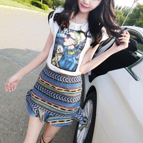 Set_bs1504 ชุด 2 ชิ้น(เสื้อ+กระโปรง)แยกชิ้น เสื้อยืดแขนสั้นสีขาวแต่งลายผู้หญิงผ้าคอตตอนผสมสแปนเด็กซ์เนื้อหนาสวย+กระโปรงซิปหลังชายระบายผ้าทอเนื้อหนาสวยเรียบอยู่ทรง งานน่ารักเข้าชุดแบบสวยน่ารักไม่ซ้ำใคร เซ็ทสองชิ้นสวยคุ้ม