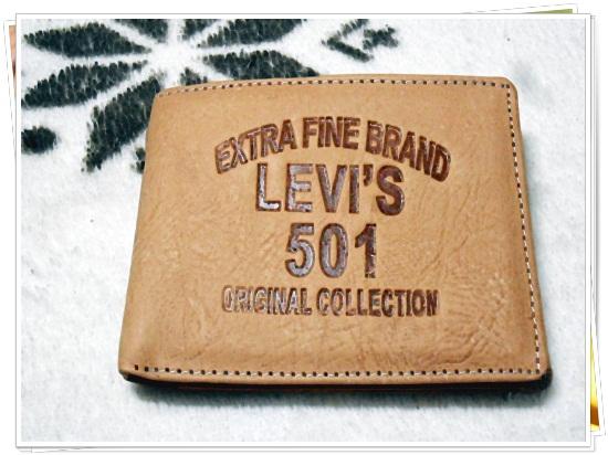 กระเป๋าสตางค์ Levis หนังสีน้ำตาลเข้ม