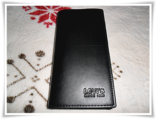 กระเป๋าสตางค์ Levis ใบยาว สีดำหนังแท้