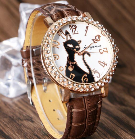 นาฬิกาข้อมือผู้หญิง สายหนัง หน้าปัดฝังเพชร ลายแมว เก๋ ๆ นาฬิกาลายแมวดำ สาวกแมว ห้ามพลาด 106849