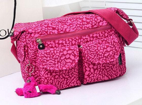 กระเป๋าสะพายข้าง ผู้หญิง ผ้าไนลอน กันน้ำ ทรงสี่เหลี่ยม ขนาดกำลังดี ไม่เทอะทะ ใส่ของได้เยอะ แนว Sport สีชมพู มีลาย สวย ๆ 390952