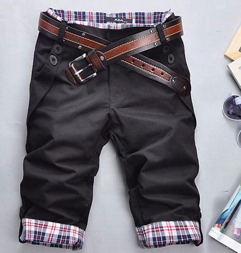 กางเกงขาสั้นผู้ชาย กางเกงขาสามส่วน กางเกงแฟชั่น ผู้ชาย วัยรุ่น แบบเท่ ๆ มีสไตล์ สีดำ ดีไซน์ พับขาได้ เป็นลายสก๊อต มีกระเป๋าหลัง แบบกระดุม 354686