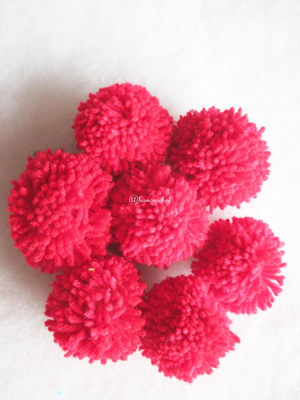 ปอมปอมไหมพรมสีแดง ขนาด 2 นิ้ว pompoms crochet