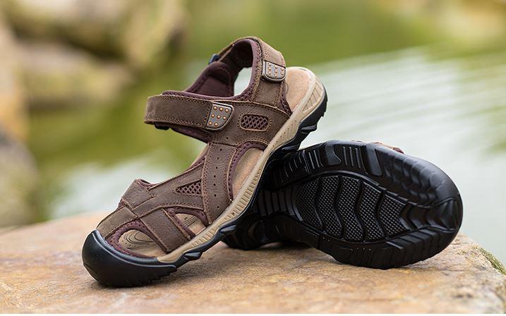 รองเท้าผู้ชาย รองเท้า แบบรัดส้น รองเท้า ใส่เที่ยว รองเท้าเดินทาง แบบเปิดหน้าเท้า ใส่สบาย มีสายรัดส้น รองเท้าหนังแท้ ดีไซน์ sport น้ำตาลเข้ม กาแฟ 977144_1