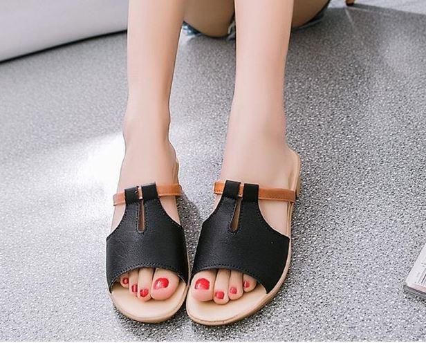 รองเท้าแฟชั่น ผู้หญิง รองเท้าแตะ ส้นเตี้ย มีส้นเล็กน้อย สีดำ แบบผู้ใหญ่ รองเท้าใส่เที่ยว ใส่ไปงาน ปิดหน้าเท้าเล็กน้อย มีดีไซน์ 497988