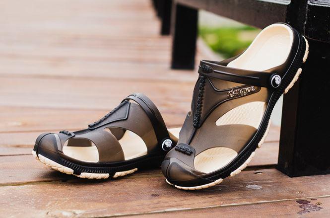 รองเท้าผู้ชาย รองเท้า แบบรัดส้น รองเท้า ใส่เที่ยว รองเท้าแตะ รองเท้า ยาง อย่างดี กันน้ำ รองเท้า แฟชั่น ผู้ชาย รัดส้น สีดำ 799239
