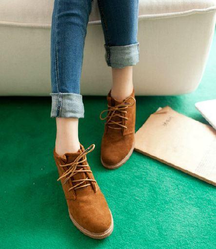 รองเท้าหุ้มส้น สูงเกือบข้อ รองเท้าผู้หญิงหุ้มส้น พื้นยาง ดีไซน์ สไตล์วินเทจ สุดคลาสสิค แบบเชือกผูกด้านหน้า สีพื้น สีน้ำตาล 502089