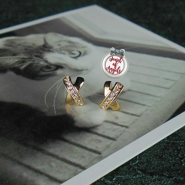 ต่างหูชุบทอง18Kรูปไขว้ประดับคริสตัลมี2สีค่ะ