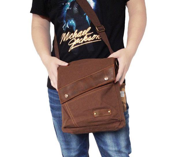 กระเป๋าสะพายข้าง กระเป๋า ผ้าแคนวาส สำหรับผู้ชาย แนวเซอร์ สะพายกับ กางเกงยีนส์ สุดเท่ ทรงตรง ใส่ ipad ได้ สีน้ำตาล อ่อน เข้ม เขียว รุ่นขายดี 71112