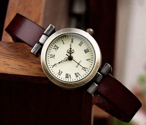 นาฬิกาข้อมือผู้หญิง นาฬิกา สายหนังแท้ เส้นเล็ก สำหรับ สาวข้อมือเล็ก สไตล์วินเทจ แบบ คลาสสิค เรียบ ๆ ดีไซน์ เก๋ ใส่ได้ตลอดทุกโอกาส 215539