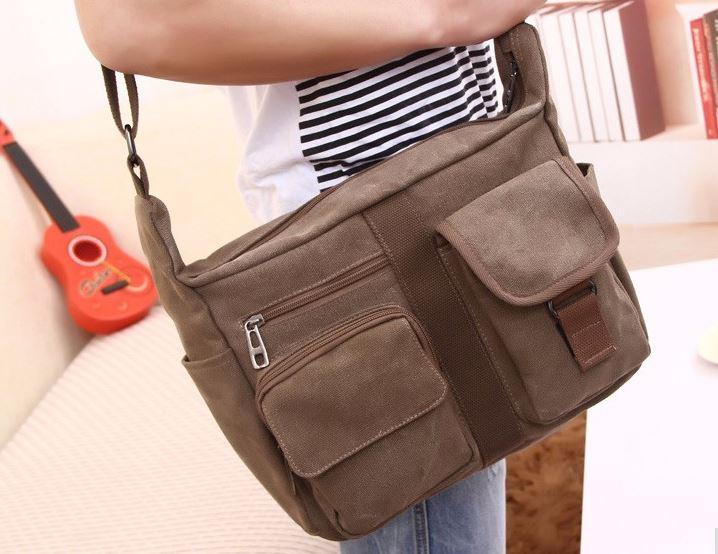 กระเป๋าสะพายข้าง กระเป๋าผ้าแคนวาส ขนาดกลาง กระเป๋าสะพายผู้ชาย ผ้ายีนส์ เท่ ๆ มีช่องเยอะ 961217