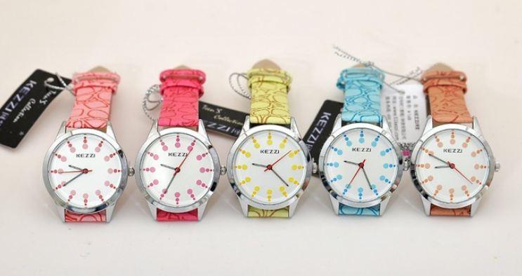นาฬิกาข้อมือผู้หญิง นาฬิกาข้อมือ สายหนัง สีหวาน ๆ ลายหิน On the rock นาฬิกาข้อมือ แฟชั่น เท่ ๆ สีฟ้า ชมพู เหลือง ส้ม แดง 59689
