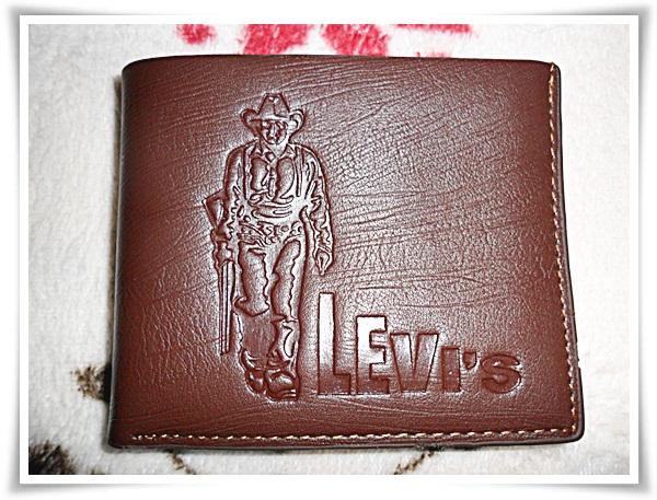 กระเป๋าสตางค์ Levi's หนังแท้ สีน้ำตาล no1