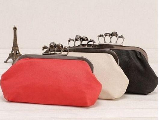 กระเป๋าถือผู้หญิง กระเป๋าคลัท ออกงาน กลางคืน งานราตรี กระเป๋าถือขนาดเล็ก แบบสวมเป็นแหวน สีพื้น แบบเรียบ เข้ากับชุดราตรี no 3072941