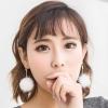 ต่างหูแฟชั่นสไตล์เกาหลีก้านสีทองคริสตัลแต่งเฟอร์ปอมปอมสีขาว