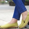 รองเท้าหุ้มส้น ผู้หญิง วัสดุ ทำจากหนังแท้ พื้นปุ่มกันลื่น แข็งแรงทนทาน รองเท้าคัทชู ไม่มีส้น ใส่สบาย ดีไซน์เก๋ แบบน่ารัก สีเขียว no 65812_1