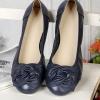รองเท้าหุ้มส้น ผู้หญิง รองเท้าหนังแท้ สำหรับใส่ทำงานได้ ด้านหน้า ดีไซนติดโบว์ ใส่สบาย รองเท้าผู้หญิง ใส่ทำงาน สีน้ำเงินกรมท่า ราคาถูก no 77216_1