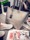 (new)สินค้าขายดี⭐⭐⭐ พร้อมส่ง แฟชั่นกระเป๋าถือ +สพายข้าง สวยพรีเมี่ยม(แถมใบเล็กด้วยนะจ๊ะ) งานนำเข้าพรีเมี่ยม ขนาดกำลังดี งานน่ารักมากจ้า ข้างในมีช่องเล็กใส่ของจุกจิก สายสะพายยาว